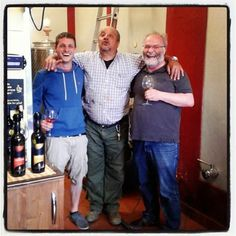 In cantina con i nostri amici tedeschi, ecco il 'barzellette time' (in Toscano stretto ovviamente)   In the wine cellar with our German friends, here is the 'jokes time' (only in tuscan dialect)