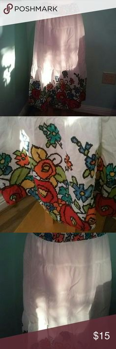 R.Q.T. Petite M Boho Flowered Maxi Skirt Beautiful. Excellent. Condition 100%cotton 30 waist elastic 34 length r.q.t.. Skirts Maxi