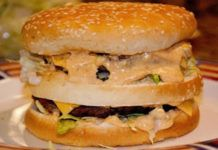 Homemade Big Mac (Clone) Recipe - The key is in the secret sauce! The Real Housewives of Riverton - Copycat Big Mac Hamburger Sauce, Hamburger Recipes, Molho Big Mac, Sauces Thermomix, Homemade Big Mac, Homemade Sandwich Bread, Big Mac Salad, Clone Recipe, Recipe Recipe