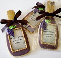 ♔ Wine Bottle Cookies for a wine tasting party Wine Cookies, Wine Cupcakes, Fancy Cookies, Royal Icing Cookies, How To Make Cookies, Cupcake Cookies, Sugar Cookies, Cookies Et Biscuits, Birthday Cookies