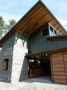 Modern Ranch House with Modern Barn House as the Bonus - Hupehome Horse Stables, Horse Barns, Horses, Equestrian Stables, Dream Stables, Outdoor Wall Panels, Vancouver, Modern Barn House, Modern Ranch