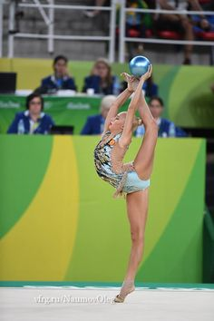 Yana Kudryavtseva (Russia), Olympic Games (Rio) 2016 Rhythmic Gymnastics Training, Gymnastics Moves, Amazing Gymnastics, Gymnastics Gifts, Acrobatic Gymnastics, Gymnastics Pictures, Sport Gymnastics, Artistic Gymnastics, Rhythmic Gymnastics Leotards