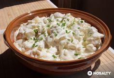 Majonézes-ecetes burgonyasaláta | NOSALTY Cheeseburger Chowder, Risotto, Salad Recipes, Potato Salad, Mashed Potatoes, Clean Eating, Paleo, Food And Drink, Soup