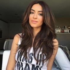 No curls today😊 #blowdriedhair #chocolatebrown #longhair  #sarahangiusinspired