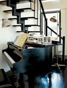 My dream one day is to own a grand piano! So beautiful! Piano Living Rooms, Piano Room, Baby Grand Pianos, New York Homes, Interior Decorating, Interior Design, Under Stairs, Aesthetic Design, Room Decor