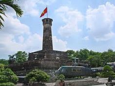 The structure was built in the nineteenth century. As one of the buildings in the area of the ancient city of Hanoi. With considerable height. http://hanoicity.blogspot.com/2013/06/hanoi-flag-tower.html