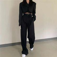 Korean Girl Fashion, Ulzzang Fashion, Korean Street Fashion, Kpop Fashion Outfits, Girls Fashion Clothes, Mode Outfits, Aesthetic Fashion, Look Fashion, Aesthetic Clothes