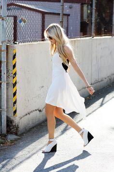 love the dress <3
