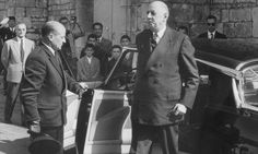 President Charles DeGaul getting out of his Citroën DS New Cars For Sale, French President, Car Prices, Citroen Ds, World Leaders, Used Cars, Peugeot, Gun, Fire
