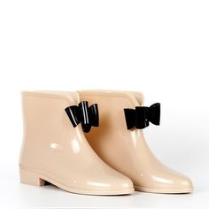 Pink bow rain booties