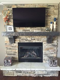 I really like this enchanting chimney decor living room – Stone fireplace living room Home Fireplace, Fireplace Remodel, Living Room With Fireplace, Fireplace Design, Home Living Room, Living Room Decor, Fireplace Ideas, Brick Fireplace Makeover, Fireplace Hearth