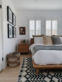 casual cool bedroom design Home Design: Interior Design Ideas for Contemporary Homeowners Coming up Home Decor Bedroom, Interior Design Living Room, Master Bedroom, Master Suite, Bedroom Decor Natural, Diy Bedroom, Bedroom Furniture, 1930s Bedroom, White Wall Bedroom