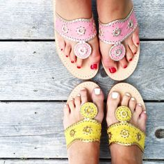 Finally getting myself a pair today! Party Like Gatsby, Preppy Southern, Southern Prep, Preppy Style, My Style, Shoe Room, Summer Photos, Jack Rogers, Sock Shoes