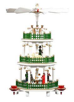 Pirámide de Navidad alemán de 3 niveles - Nacimiento blanco - 35 cm / 14 pulgadas - Auténtico alemán Erzgebirge pirámides de Navidad - Dregeno Seiffen: Amazon.es: Bricolaje y herramientas