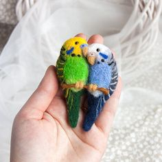 Budgerigars brooch Love birds jewelry Budgerigar pin Colorful brooch Animal jewelry Animal brooch Christmas gift for Hery Unique gift under 30 This beautiful needle felted brooch would look great on coats, jackets, jumpers or bags. Brooch has a small pin on the back. 100% handmade and eco-friendly product. This brooch is needle felted from natural wool. Nice gift for everyone. It will be perfect accessories for a autumn / winter season. This brooch measures 2,5 x 3,2 (5 cm x 8 cm) Ha...