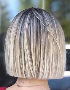 Just see here and find the famous styles of blonde bob haircuts sported by the most beautiful female Straight Bob Haircut, Blonde Bob Haircut, Haircut For Thick Hair, Blunt Blonde Bob, Straight Cut Bob, Blonde Highlights Bob Haircut, Blonde Bob With Fringe, Short Blunt Haircut, Long Blunt Bob