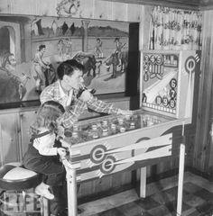 Frank Sinatra Playing Pinball Photo #sinatra #franksinatra #pinball
