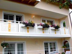 Farbenfrohe Pflanzenwelt Garage Doors, Outdoor Decor, Home Decor, Plants, Homemade Home Decor, Decoration Home, Interior Decorating