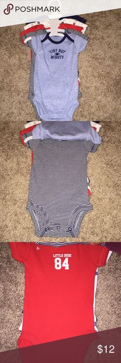 Carters Newborn Onesies Carters NB boys onesies set of 5 Carter's One Pieces Bodysuits