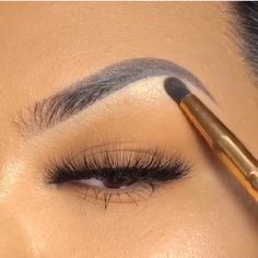 Eye makeup can easily improve your beauty and also help to make you look magnificent. Learn the way to begin using make-up so that you are able to show off your eyes and stand out. Discover the best tips for applying makeup to your eyes. Eyebrow Makeup Tips, Permanent Makeup Eyebrows, Contour Makeup, Makeup Videos, Beauty Makeup, Makeup Tutorial Videos, Eyebrow Pencil, Makeup Eyes, Makeup Tools