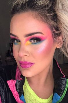 Beautiful makeup trends that are making a huge comeback nowadays are going to upgrade your makeup game drastically. 80s Eye Makeup, 80s Makeup Looks, 80s Makeup Trends, Disco Makeup, Retro Makeup, Clown Makeup, Makeup Inspo, Makeup Inspiration, Beauty Makeup