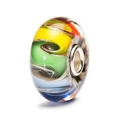 Chakra Colores - trollbeads.com // Esta bead de cristal combina los 7 Colores de los diferentes Chakras en una sola pieza. Todas las energías se unen, por lo que cuando la lleves, siempre tendrás tu pulsera repleta de color y energía