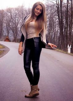 LEATHER LEGGINGS   beige and black