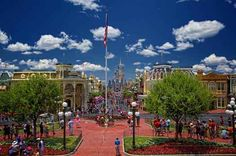 A beautiful day like this deserves a visit to the Magic Kingdom. Thanks for the picture Don Sullivan.  When is the best time to visit WDW? Dad knows.