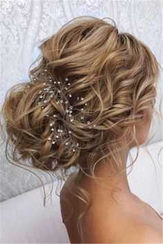 44 Romantic Messy updo hairstyles for medium length to long hair - messy updo hairstyle for elegant look, hairstyle ideas , updo, wedding updo hairstyle ,textured updo up hairstyles 44 Messy updo hairstyles – The most romantic updo to get an elegant look Wedding Hairstyles For Long Hair, Wedding Hair And Makeup, Messy Hairstyles, Elegant Hairstyles, Hairstyle Ideas, Indian Hairstyles, Messy Wedding Updo, Lehenga Hairstyles, Bridal Hairstyle Indian Wedding