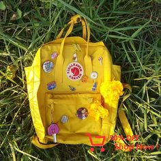 Cute yellow style #backpack #yellow #cute Yellow Style, Yellow Fashion, Crafts For Kids, Projects To Try, Birthdays, Baby Shower, Backpack, Creative, Gifts