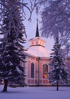 Christmas church (17133). christmas, christmas atmosphere, church, portrait, religion, the public, winter