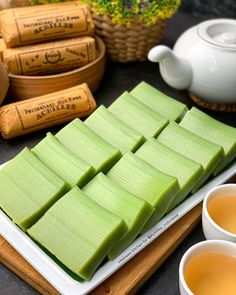 Indonesian Food Traditional, Traditional Cakes, Indonesian Desserts, Asian Desserts, Cashew Cookies Recipe, Food Tasting, Food Decoration, Diy Food, No Cook Meals