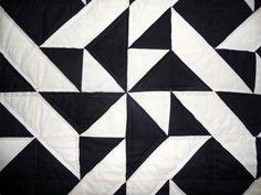 Vuelo Martins Amish Quilt en negro y marfil por QuiltsByAmishSpirit