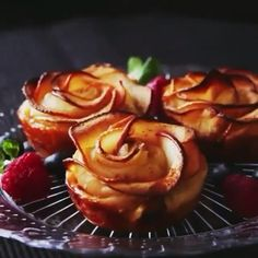 Thanksgiving Desserts - Taste made Apple Cream Cheese Rose Tarts Unique Thanksgiving Desserts, Thanksgiving Treats, Apple Rose Tart, Apple Roses, Charcuterie Recipes, Apples And Cheese, Quick Easy Desserts, Pumpkin Pie Recipes, Fall Recipes