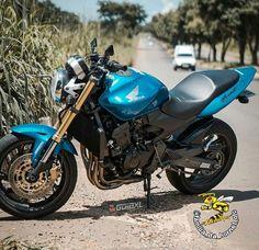 Sportbikes, Honda Cb, Bike Life, Cars And Motorcycles, Motorbikes, Lamborghini, Automobile, Cycling, Vehicles