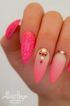 50 Pretty Nail Art Design Easy 2019 You Can Try As A Beginner Sparkle Nail Design othing is ever the new Perfect Nails are gritty, grungy, and totally rock and roll Nail with Glitter and Rhinstones nails give Beautiful Look Picture Credit Nail Art Designs, Sparkle Nail Designs, Pretty Nail Designs, Sparkle Nails, Pretty Nail Art, Glitter Nail Art, Nails Design, Indian Nail Designs, Jolie Nail Art