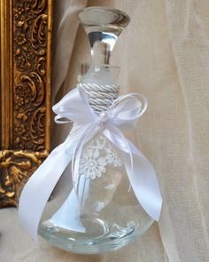 Καραφα γάμου,μπουκάλι γάμου,Σετ γάμου ρομαντικό με λευκη κεντητη δαντέλα σε λευκό χρώμα!καλεστε 2105157506 #greek#greekdesigners#handmadeingreece#greekproducts#γαμος #wedding #stefana#χειροποιητα_στεφανα_γαμου#weddingcrowns#handmade #weddingaccessories #madeingreece#handmadeingreece#greekdesigners#stefana#setgamou#μπομπονιερες_γαμου