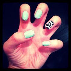 Mint, silver glitter, black & white nails :)