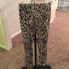 Leopard print leggings Super soft leopard print leggings. Worn once! Pants Leggings