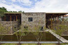 Restaurante Son La / Vo Trong Nghia Architects