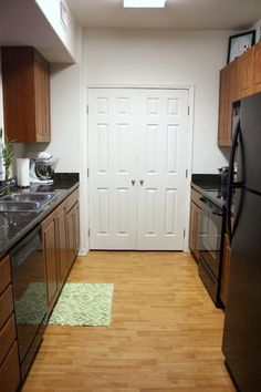 """this is categorized as a """"small but practical kitchen,"""" it's like a PALACE compared to mine."""