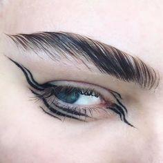Dope Makeup, Cool Makeup Looks, Edgy Makeup, Eye Makeup Art, Pretty Makeup, Makeup Inspo, Makeup Inspiration, Graphic Makeup, Graphic Eyeliner