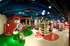 Retail Hamleys flagship store by Chute Gerdeman, London store design Kids Toy Shop, Kids Store, Toys Shop, Toy Store, Shop Interior Design, Retail Design, Display Design, Store Design, Kids Salon