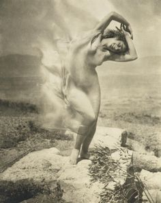 One of my all-time favorite photos. Thanks to kvetchlandia: Edward Steichen Wind fFre - Thérèse Duncan, Adopted Daughter of Isadora Duncan, on the Acropolis 1921 Edward Steichen, Isadora Duncan, Matt Hardy, Moma, Alfred Stieglitz, Parthenon, Expressive Art, Fine Art Photo, Belle Photo