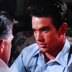 Warren Beatty ('Bud') talks with his father,'Ace' (Pat Hingle)