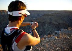 Ryan Sandes runs the fish river canyon