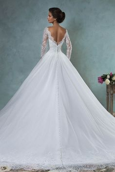 ball gown long sleeves backless lace wedding dress