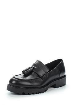 В лоферах, слиперах и мокасинах есть некий налет домашности. Пользуйтесь этим правильно – сочетайте такую обувь со строгой одеждой: например, брюками со стрелками и рубашками.