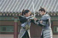 kang ha neul and lee joon gi - moon lovers scarlet heart: ryeo Joon Gi, Lee Joon, Moon Lovers Drama, Scarlet Heart Ryeo, Korean Drama Movies, Korean Dramas, Wang So, Sword Fight, Boys Over Flowers