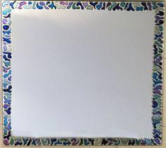 Spiegel beschilderd met blauwe en paarse vormen  door RingDesignNL